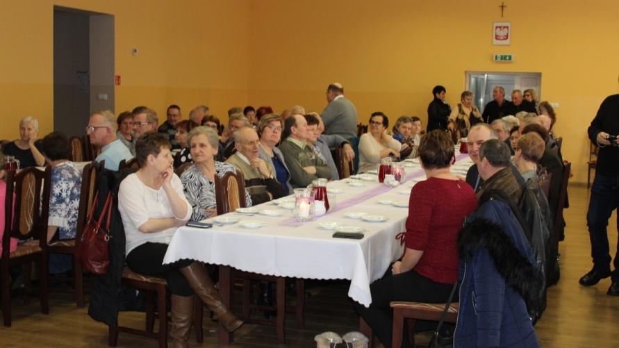 Przedszkolna uroczystość z okazji Dnia Babci i Dziadka w Smolicach