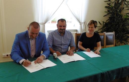 Podpisanie umowyo współpracę w zakresie kształcenia i rozwoju zawodowego