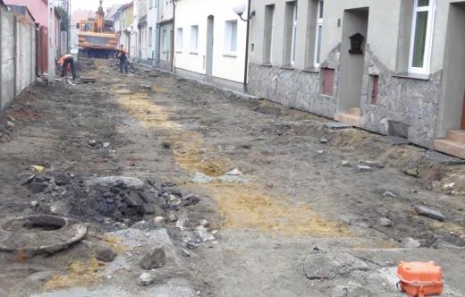 Rozpoczęła się przebudowa ulicy Mickiewicza w Kobylinie