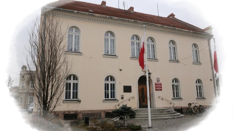 Widok Urzędu Miejskiego w Kobylinie.