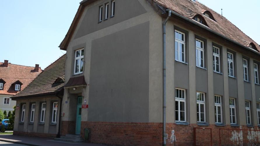 """""""nowy"""" budynek Branżowej Szkoły I stopnia w Kobylinie"""