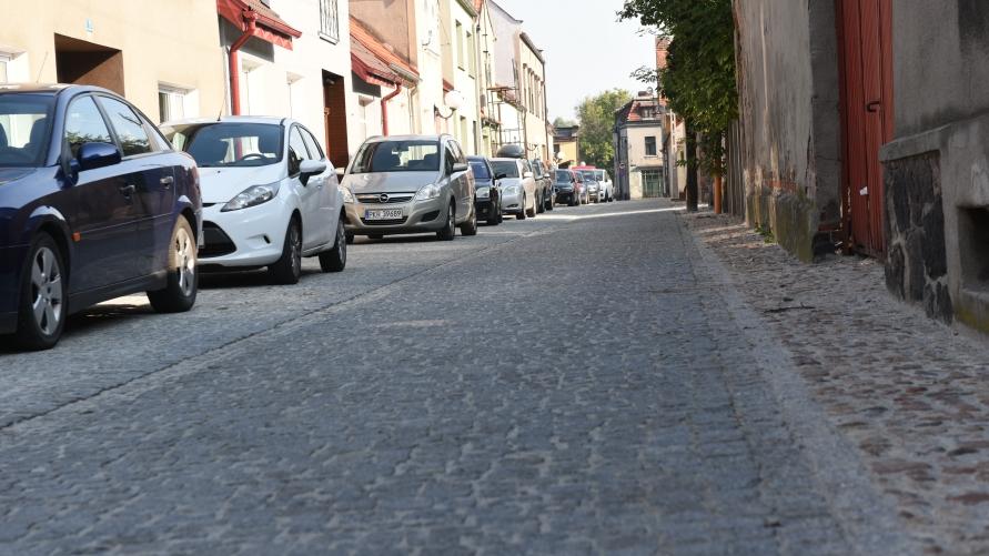 Ulica, samochody