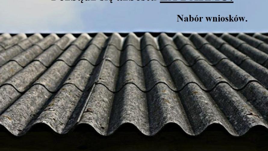 Zdjęcie dachu z azbestu.