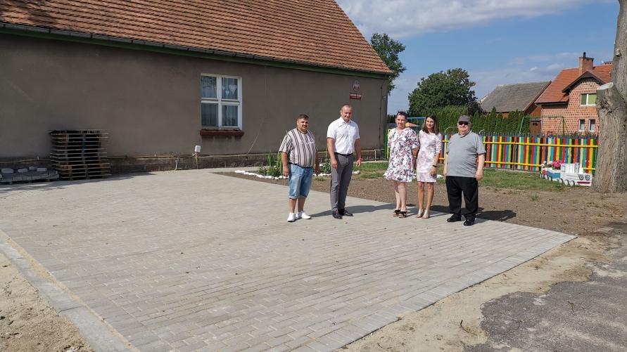 Nowy plac przed przedszkolem