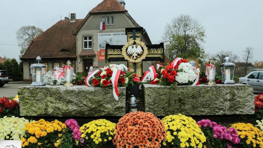 Pomnik Poległym i pomordowanym za wolność i ojczyznę w Kobylinie
