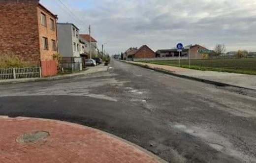 Skrzyżowanie dróg w kierunku Smolic, Raszew i Czeluścina