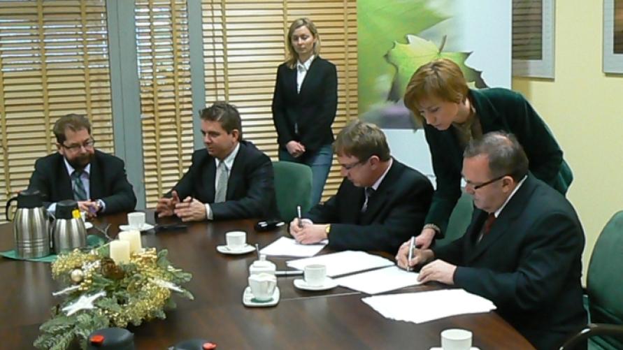 Podpisanie umowy o dofinansowanie budowy oczyszczalni ścieków i kanalizacji sanitarnej